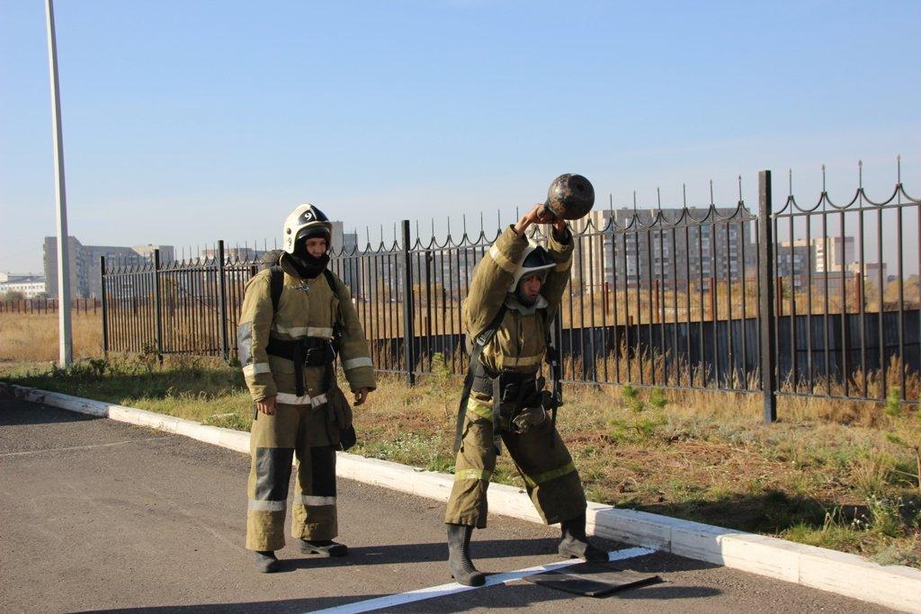 В Караганде пожарные подразделения приняли участие в соревнованиях по силовому кроссфиту, фото-2