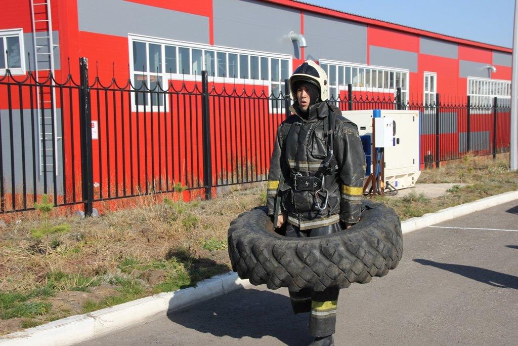 В Караганде пожарные подразделения приняли участие в соревнованиях по силовому кроссфиту, фото-3