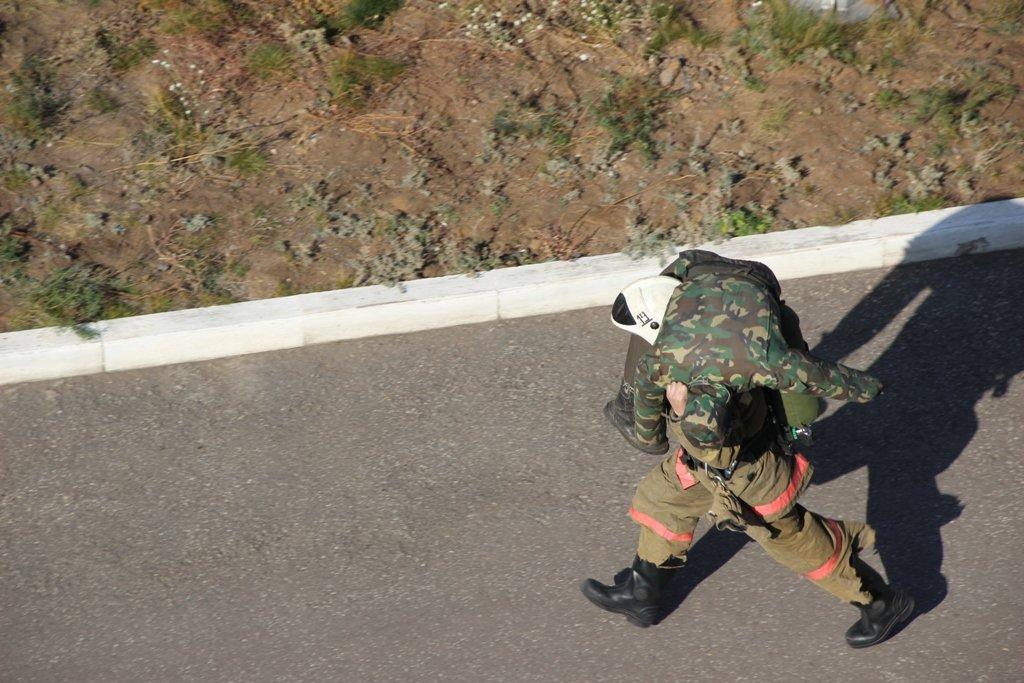 В Караганде пожарные подразделения приняли участие в соревнованиях по силовому кроссфиту, фото-7