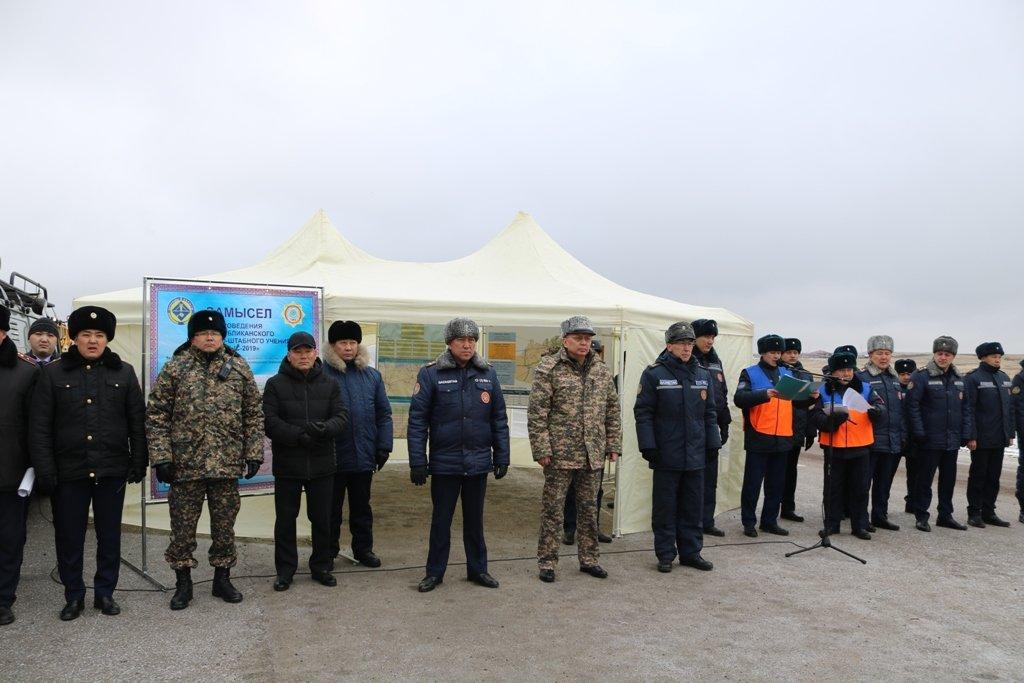 В Карагандинской области для ликвидации ЧС зимнего периода были приведены в готовность свыше 3000 человек и 1200 техники, фото-1