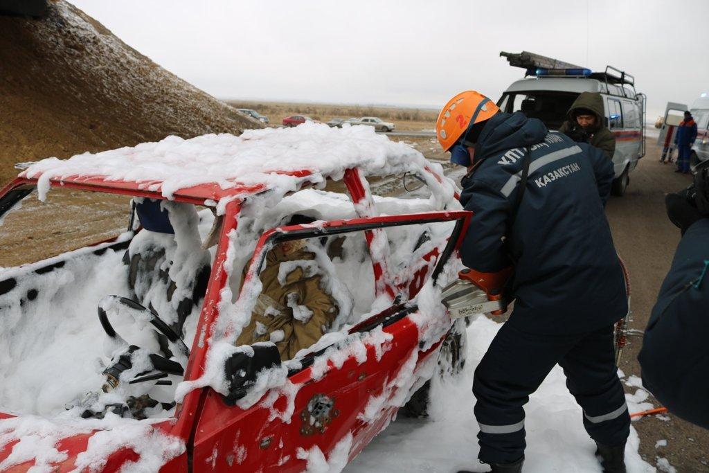 В Карагандинской области для ликвидации ЧС зимнего периода были приведены в готовность свыше 3000 человек и 1200 техники, фото-7
