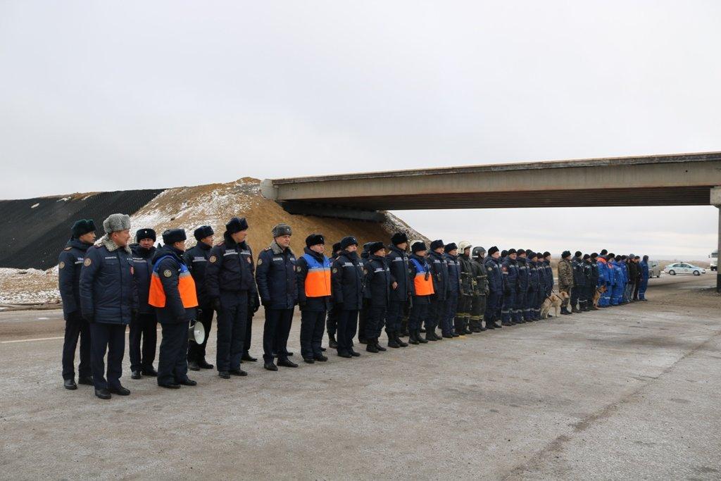 В Карагандинской области для ликвидации ЧС зимнего периода были приведены в готовность свыше 3000 человек и 1200 техники, фото-16
