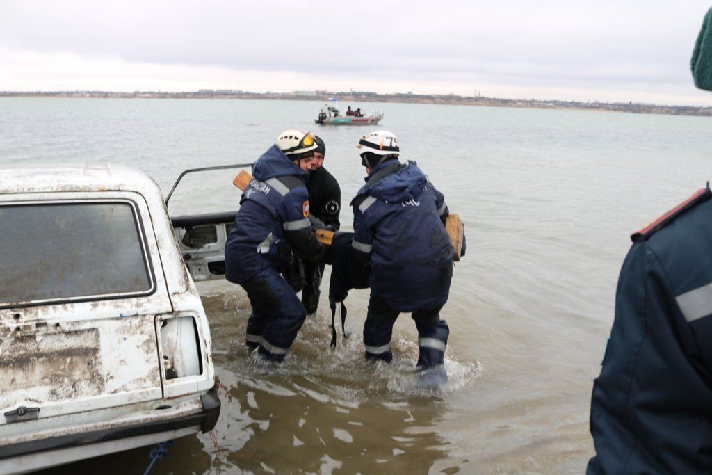 В Карагандинской области для ликвидации ЧС зимнего периода были приведены в готовность свыше 3000 человек и 1200 техники, фото-26