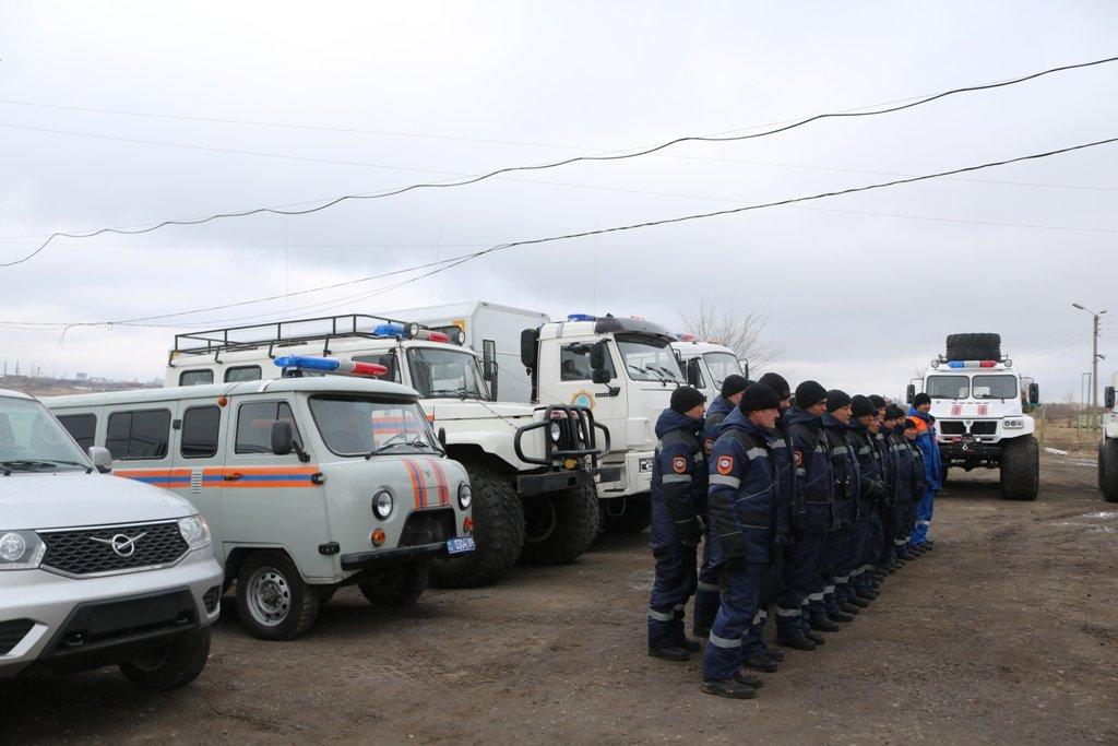 В Карагандинской области для ликвидации ЧС зимнего периода были приведены в готовность свыше 3000 человек и 1200 техники, фото-28