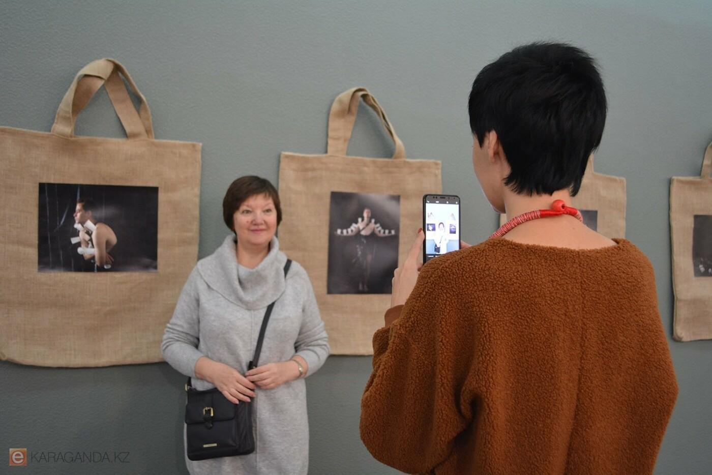 В Караганде проведена выставка «Монолог 33», фото-7