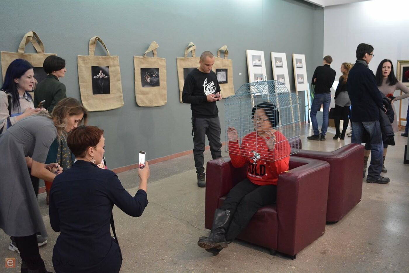 В Караганде проведена выставка «Монолог 33», фото-8