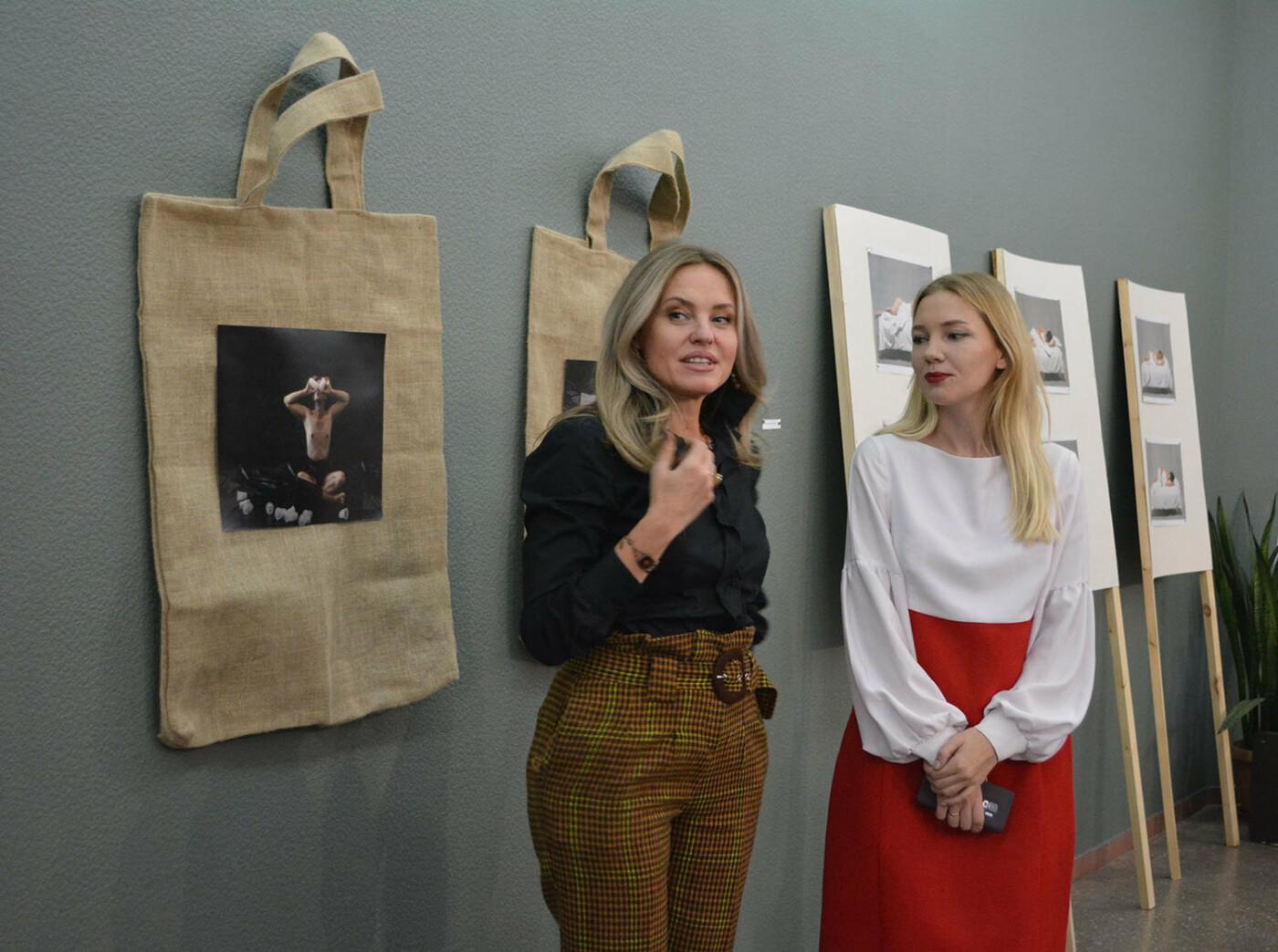 В Караганде проведена выставка «Монолог 33», фото-15