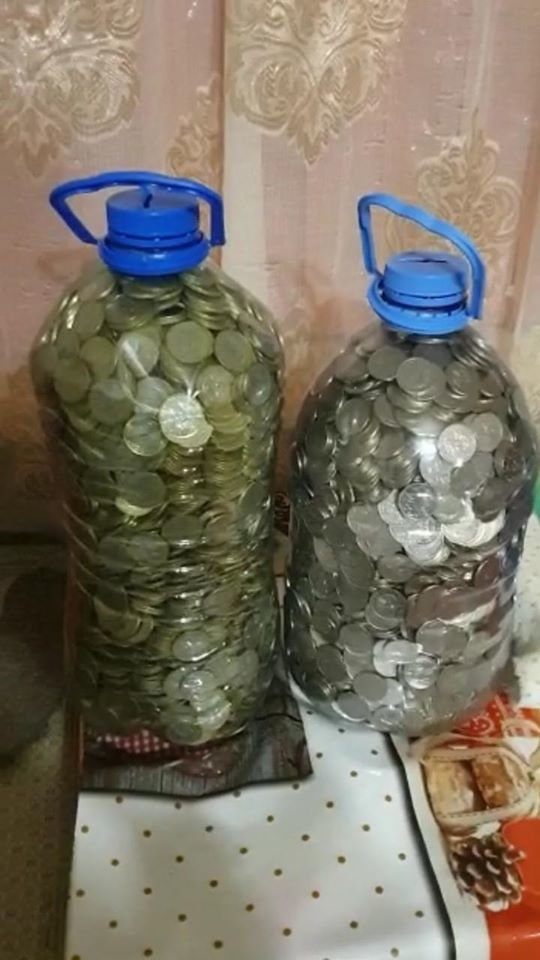 Карагандинец принес в банк две пятилитровые бутылки монет (фото), фото-3