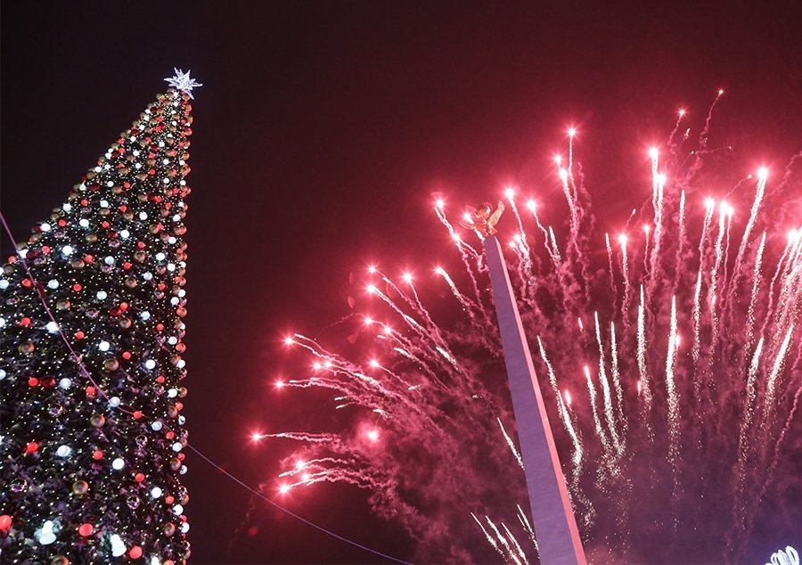 В Караганде зажгли главную елку города (фото, видео), фото-1