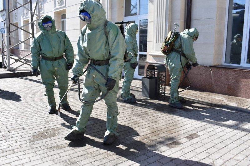 Десант из 100 военных подключился к дезинфекции объектов Караганды, фото-3