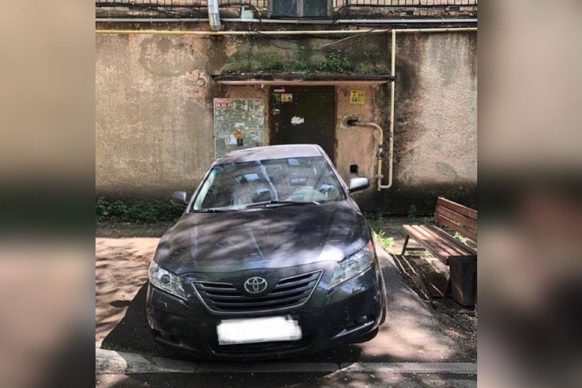 Пост в Instagram о неправильной парковке авто в Караганде привлек внимание полицейских, фото-1