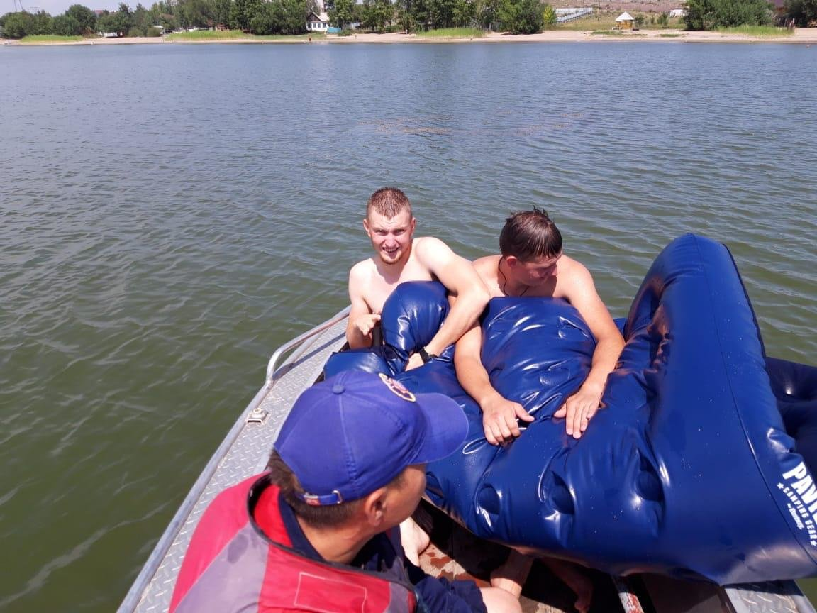 Двух человек спасли на водоеме в Карагандинской области, фото-1