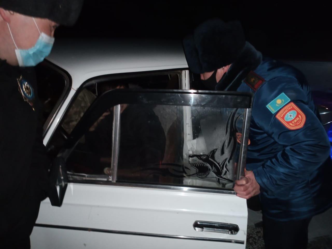Спасение жителей, фото пресс-службы ДЧС Карагандинской области