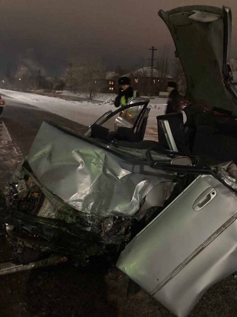 Спасатели вызволили мужчины из заблокированной машины, фото ДЧС Карагандинской области