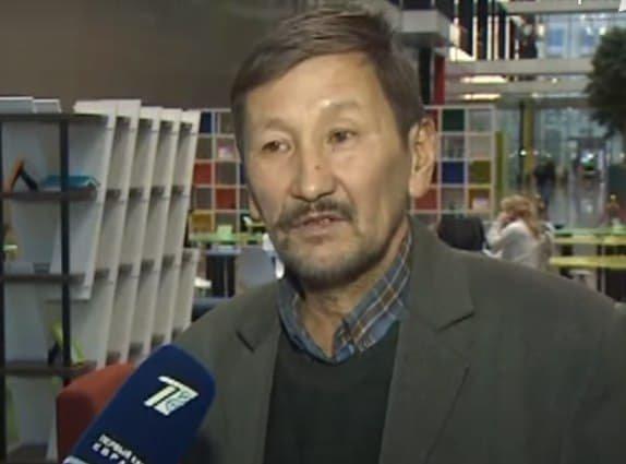 Толеген Муканов верит в то, что его любовь найдется, кадр из видео Первый канал Евразия