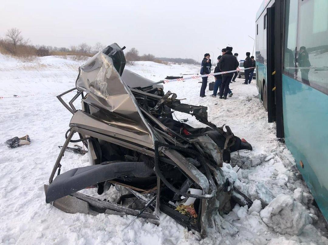 пассажир легкового автомобиля скончался на месте, фото dorogi_karagandy/Instagram