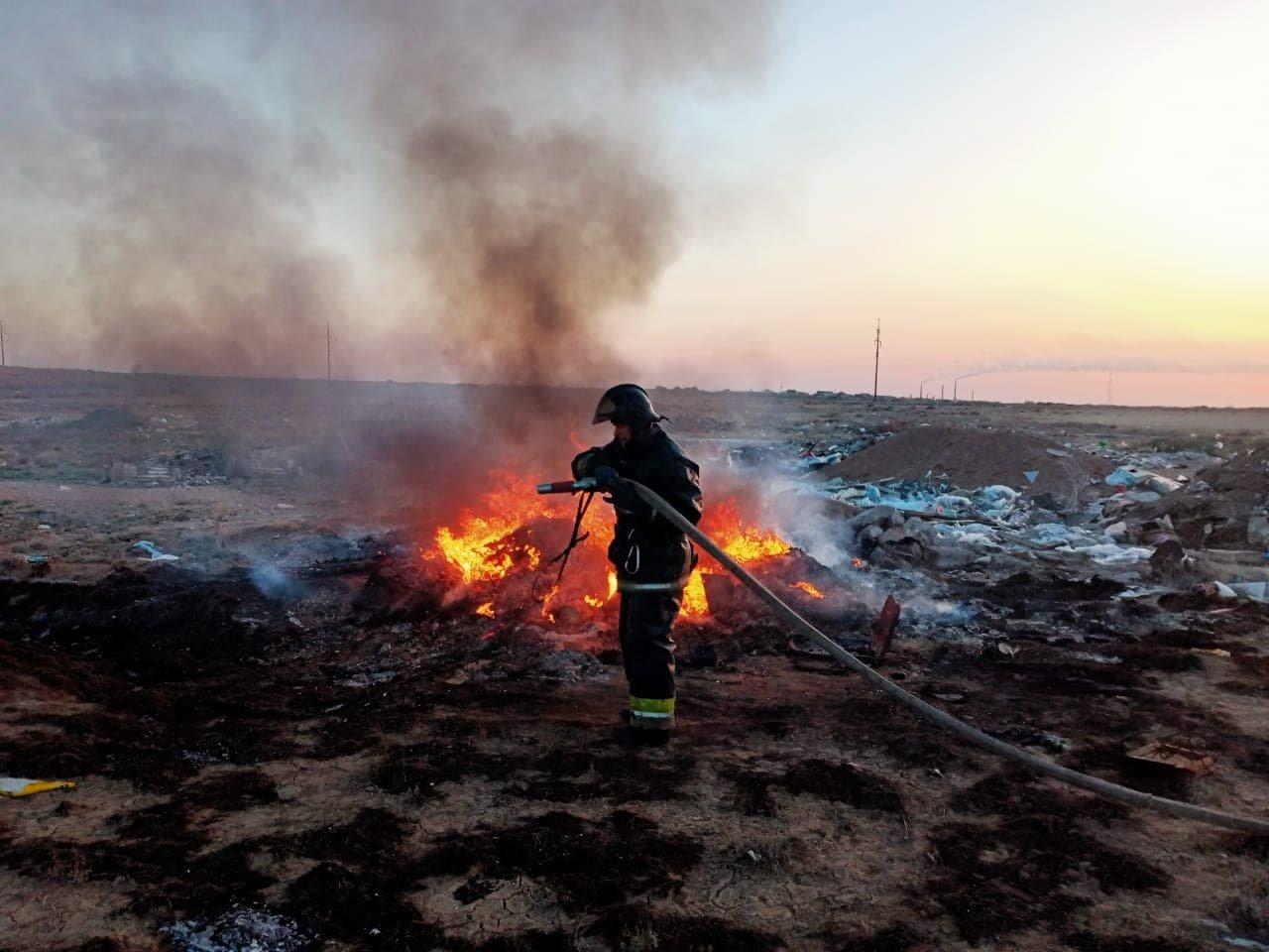 Более 200 раз за три дня спасатели выезжали на пожары, фото пресс-службы ДЧС Карагандинской области